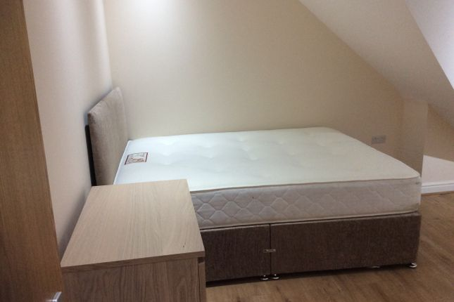 Thumbnail Duplex to rent in North Road, Cardiff