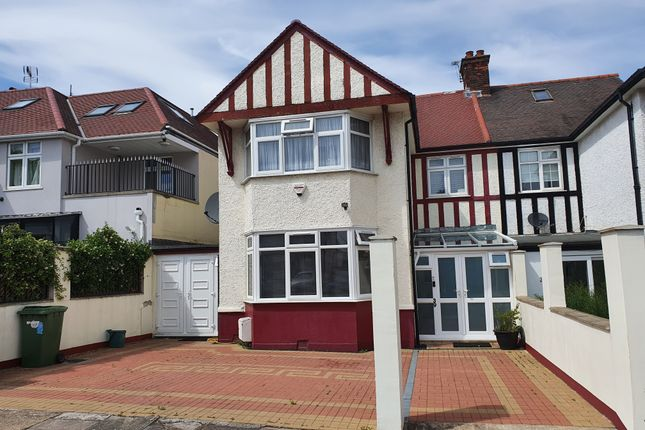 4 bed detached house to rent in Oxgate Gardens, London NW2