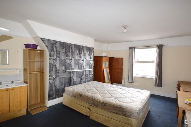 Thumbnail Flat to rent in Penrhyn Gardens, Surbiton Road, Kingston Upon Thames