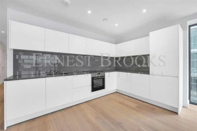 Thumbnail Flat for sale in Marco Polo Building, Royal Wharf