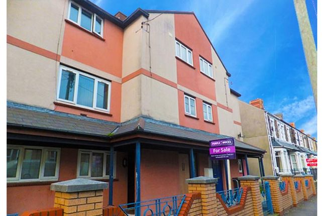 Thumbnail Town house for sale in Court Road, Barry