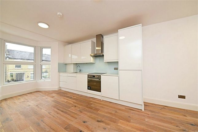 Thumbnail Flat for sale in Holly Park Road, Southgate, London