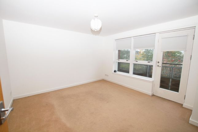 Thumbnail Flat to rent in Strathblane Gardens, Glasgow G131Bx