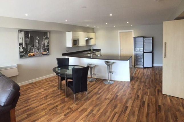 Thumbnail Flat to rent in Quadrangle, Lower Ormond Street, Manchester