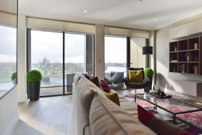 Thumbnail Flat to rent in Queens Wharf, 2 Crisp Road, Hammersmith