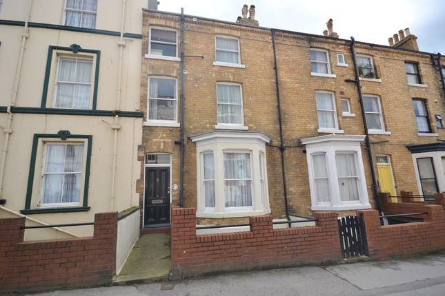 Thumbnail Town house for sale in Castle Road, Scarborough
