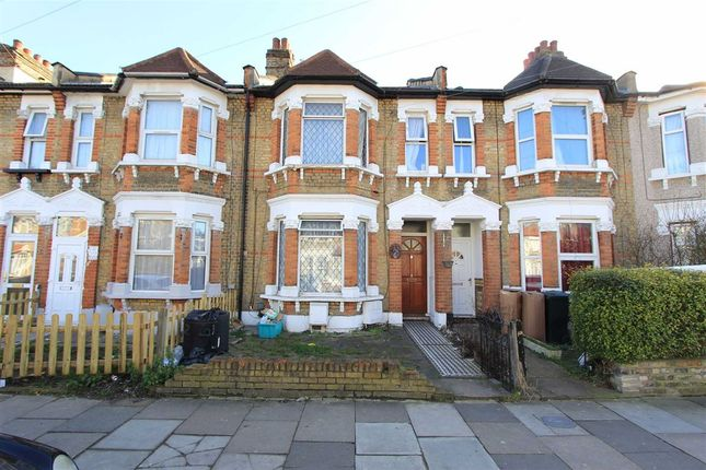 Thumbnail Flat for sale in Mortlake Road, Ilford, Essex