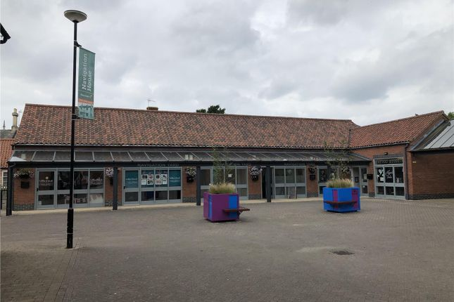 Thumbnail Retail premises to let in Unit 10, Navigation Yard, Carre Street, Sleaford, Lincolnshire
