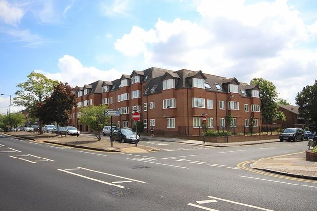 1 bed flat for sale in Uxbridge Road, Hatch End, Pinner