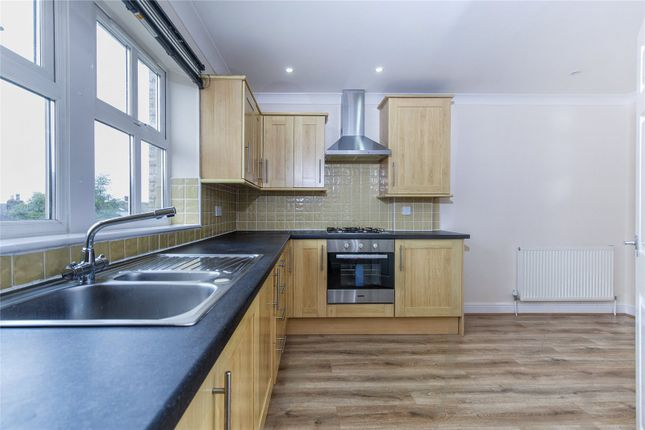 Picture No. 18 of Oakwood Mews, Soothill, Batley, West Yorkshire WF17