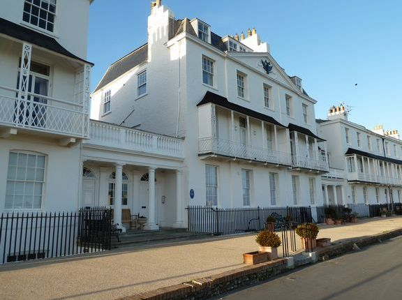 Thumbnail Flat to rent in Fortfield Terrace, Sidmouth
