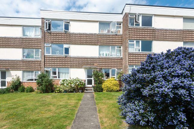 2 bed flat for sale in Winton Court, Winton Road, Petersfield GU32