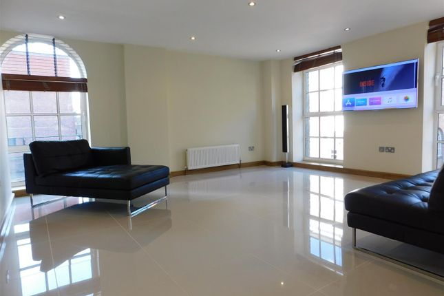 Flat for sale in St. Pauls Square, Birmingham