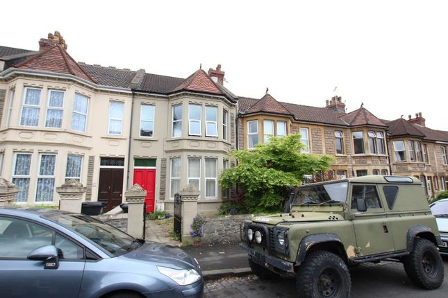 2 bed flat to rent in Woodbridge Road, Knowle, Bristol