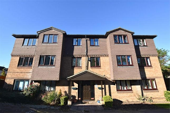 Thumbnail Flat to rent in Tylersfield, Abbots Langley, Hertfordshire