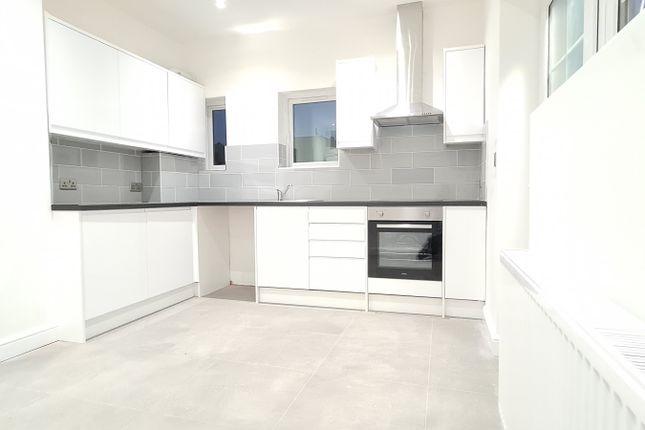 Thumbnail Flat to rent in Ealing Mansions, London