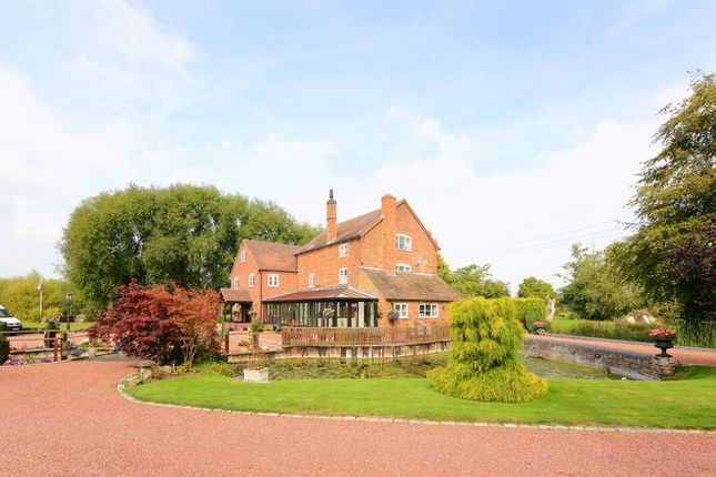 Thumbnail Country house for sale in Allscott, Telford