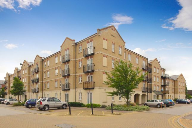 2 bed flat to rent in Masters House, Aylesbury, Buckinghamshire HP21
