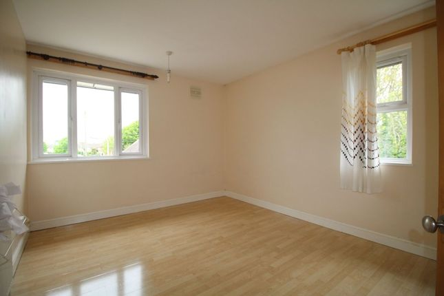 Thumbnail Flat to rent in Stone Square, Havant