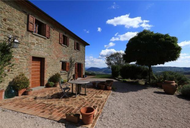 4 bed farmhouse for sale in Casa Murlo, Preggio, Umbria, Italy
