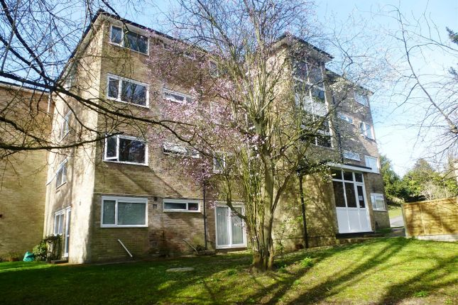 Thumbnail Flat for sale in Northlands Drive, Winchester