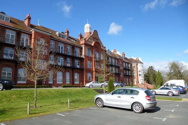 2 bed flat to rent in Kingswood Park, Kingswood, Frodsham WA6