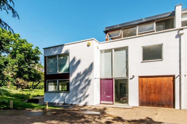 Thumbnail Mews house to rent in Connaught Mews, London