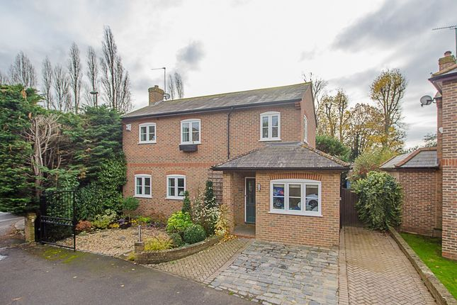 Thumbnail Property to rent in Orleans Close, Esher