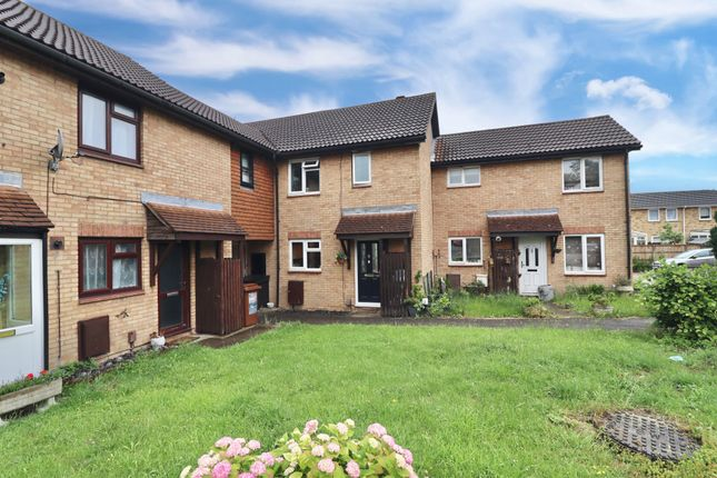3 bed terraced house to rent in Pirbright Close, Chatham, Kent ME5