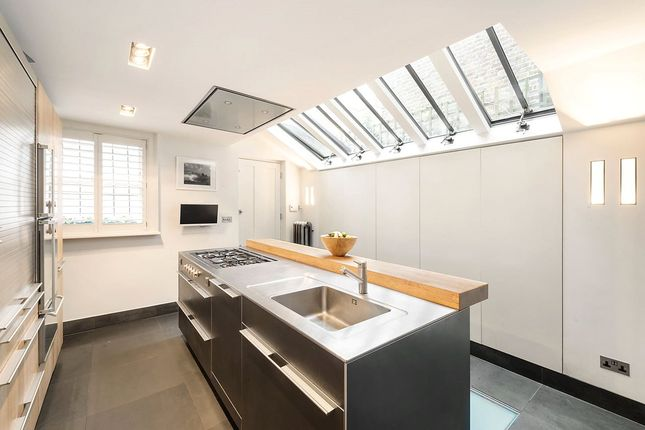 Kitchen of Guthrie Street, Chelsea, London SW3