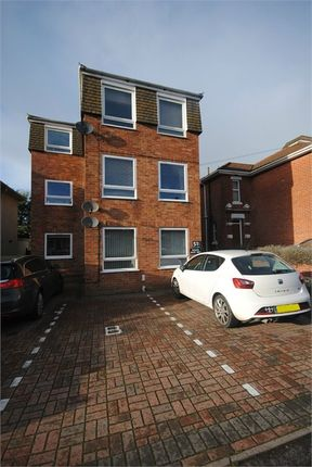 Thumbnail Flat to rent in Station Road, Netley Abbey, Southampton
