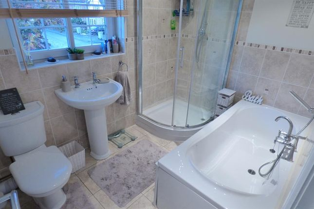 En-Suite of Alfred Smith Way, Legbourne, Louth LN11