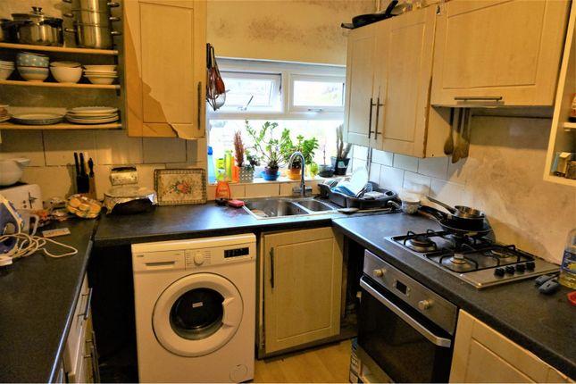 Kitchen of Regent Avenue, Manchester M14