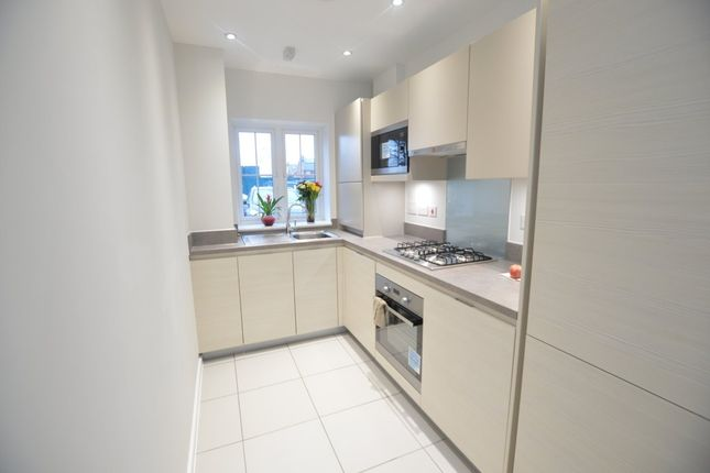 Thumbnail End terrace house to rent in Marunden Green, Slough