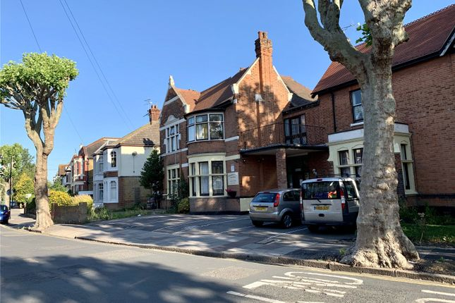 Picture No. 19 of Ailsa Road, Westcliff-On-Sea, Essex SS0