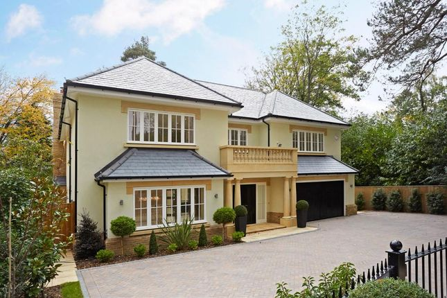 Thumbnail Detached house for sale in Ravensdale Road, Ascot