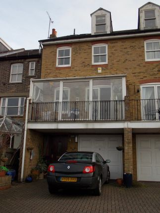 Thumbnail End terrace house for sale in Rochester, Kent