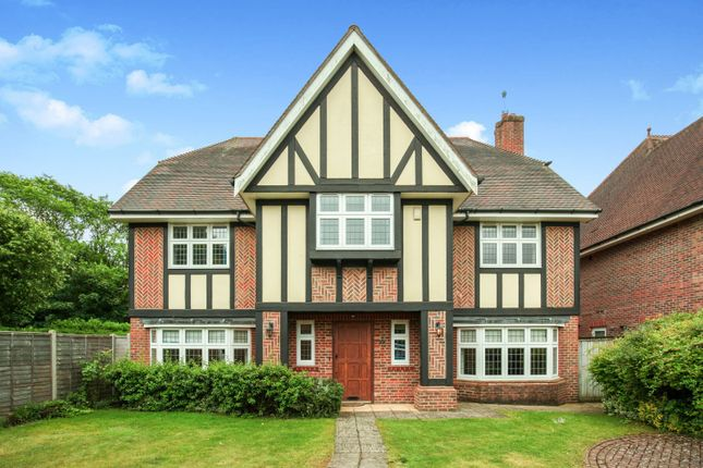 Thumbnail Detached house to rent in Limewood Close, Beckenham