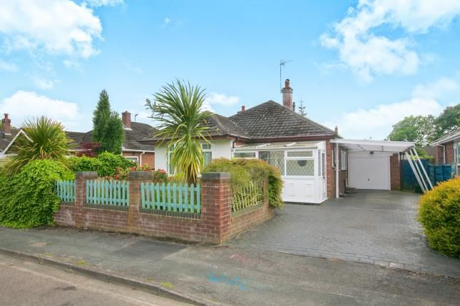 2 bed bungalow for sale in Stanneylands Drive, Wilmslow, Cheshire