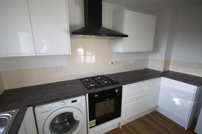 Thumbnail Triplex to rent in Blackheath Hill, Greenwich