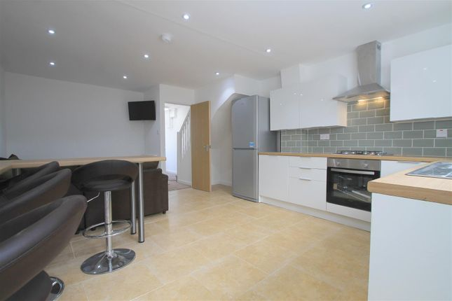 Thumbnail Terraced house for sale in Crwys Place, Cathays, Cardiff