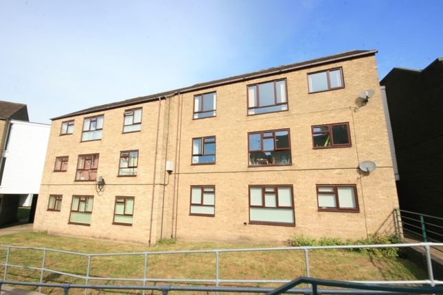 Thumbnail Flat for sale in Lakenfields, Norwich
