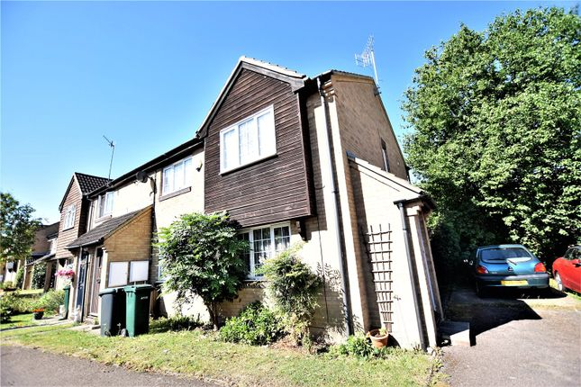 Thumbnail Shared accommodation to rent in Roman Gardens, Kings Langley, Hertfordshire