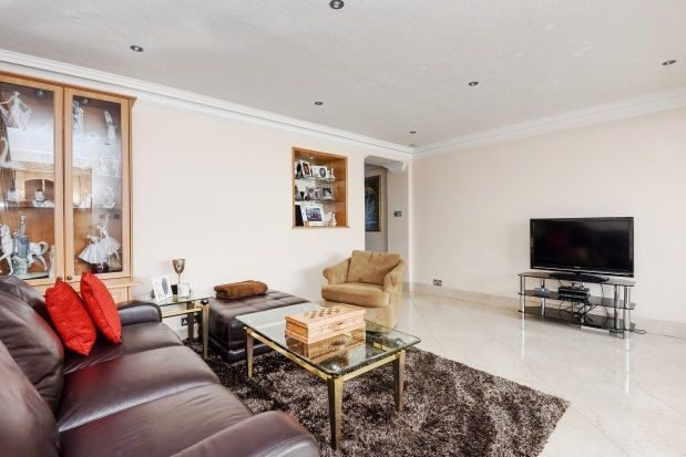 Thumbnail Property to rent in The Spinneys, Bromley