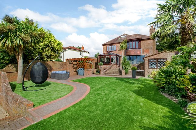 Thumbnail Detached house for sale in Glamorgan Road, Clanfield, Waterlooville