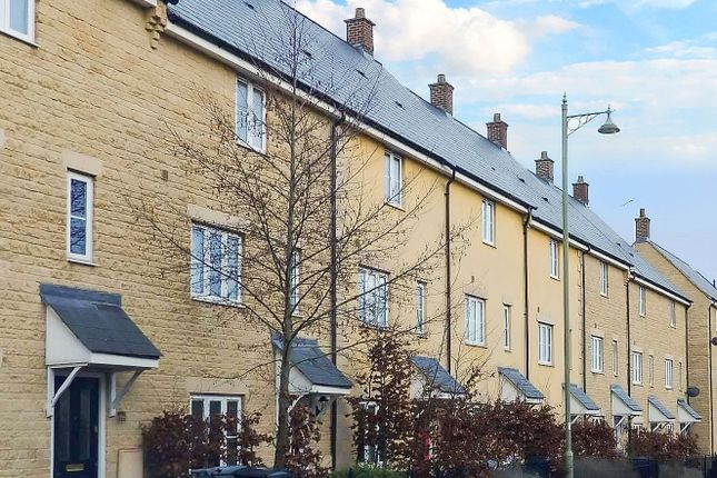 Thumbnail Terraced house to rent in Oakmead, Witney, Oxfordshire