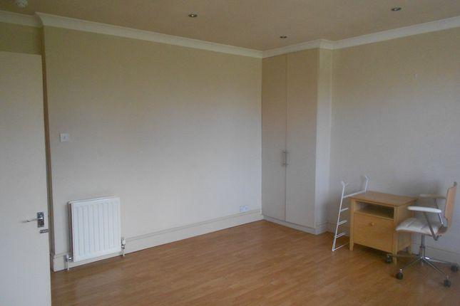 Studio to rent in Walpole Terrace, Brighton