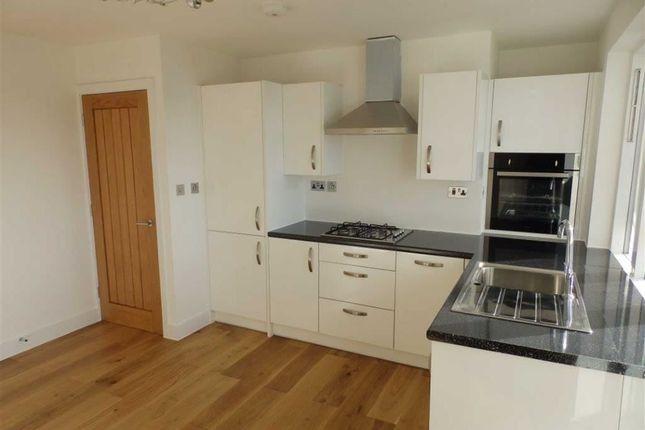 Thumbnail Flat for sale in Fawkham House, Longfield Estate, London
