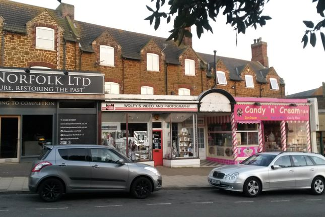 Thumbnail Flat for sale in Greevegate, Hunstanton