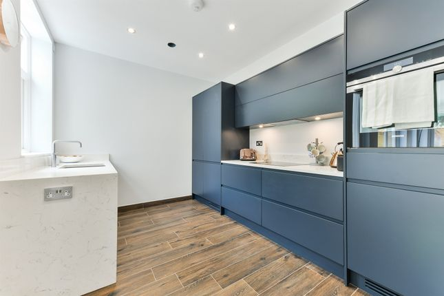 Thumbnail Flat for sale in Woodborough Road, London